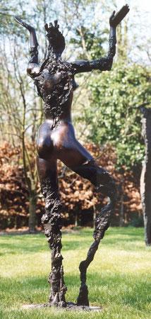 Tänzerin Rückansicht, 1993, 182 cm - Standesamt Berlin Mitte