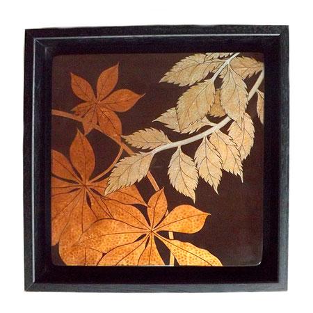 Solstice d'automne, 24x24cm, 2018, laque sur bois, pigments avec feuilles d'aluminium et de cuivre, bronzines