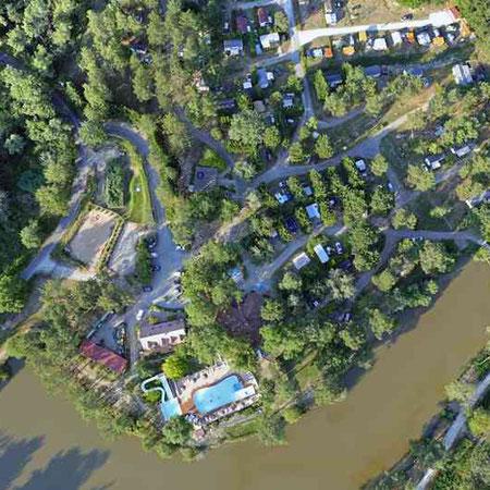 Le camping vu du ciel domaine de l 39 etang de bazange for Les jardins du ciel version anglaise