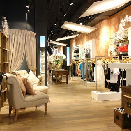 Deca Fashion Store, Löwenstrasse, Zürich