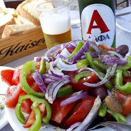 Bauernsalat/Choriatiki salata -Χωριάτικη σαλάτα
