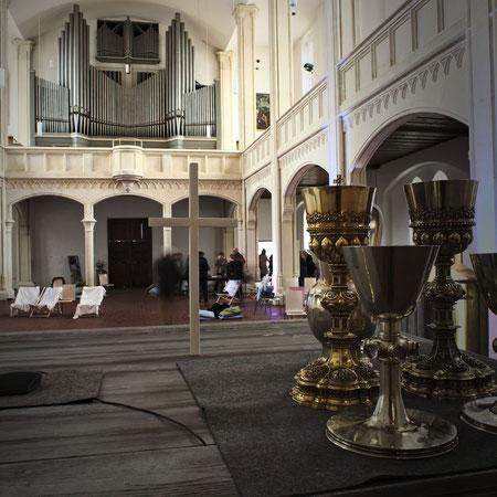Der freigeräumte Innenraum der Markuskirche während der FreiRaum-Aktion