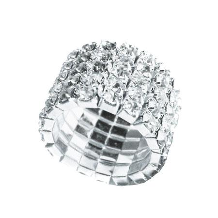 Ein wunderschöner, glänzender, sehr breiter, elastischer Ring mit schönen, klaren Modeschmuck-Steinchen.