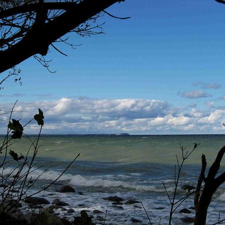 Blick vom Strand von Lohme auf Kap Arkona auf Rügen
