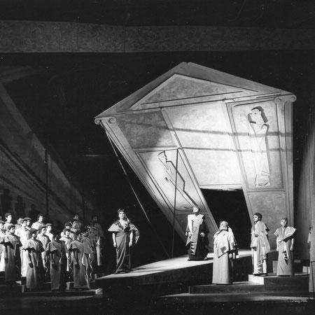 Sprecher in Oedipus Rex von Stravinsky