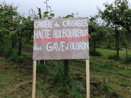 Un panneau qui veut tout dire ici à Carresse-Cassaber-ACCOB