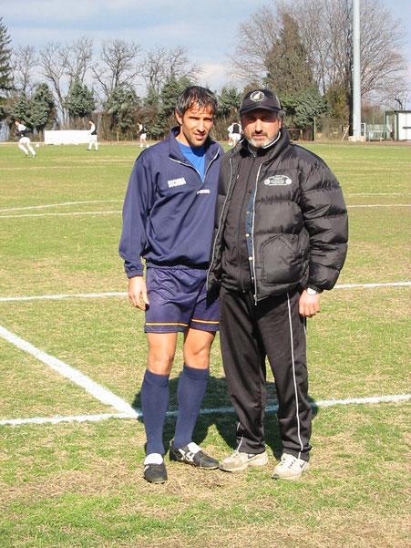2001-02 Mister Simoniello con ex leoncello Oscar Becchio
