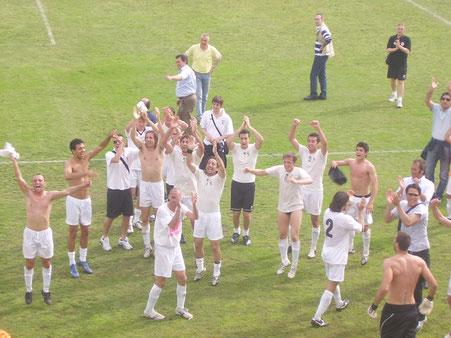 2007-08 Serie D Sanremese-Derthona 0-1 Festa a fine gara