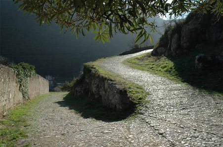The road that climbs up from Finalborgo