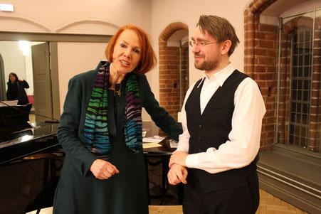 Ingrid Birkholz und Ronny Kaufhold gestalten die Hannah Arendt Lesung 2016 (am)