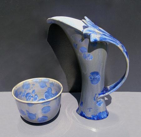 "Pichet ""Arum"" avec anse bleu et bol PM"