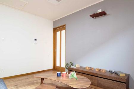 ミネラル珪藻土、24色のカラフルで体に優しい塗り壁