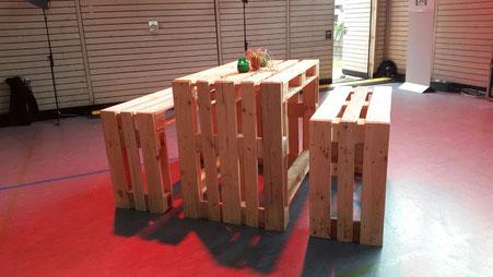 Palettenmöbel Garnitur mit Sitzbank