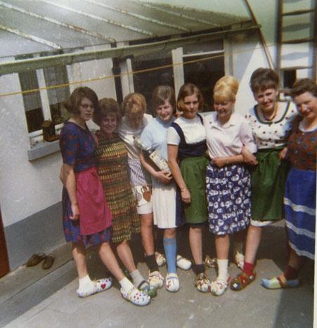 v.l.n.r.: Karin Herzog, Elsbeth Simons, Rita Kriesinger, Hannelore Allwicher, Ulrike Lorenz, Hildegard Heimes, Marlene Lingen, Hermine Fließgarten