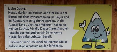 Hinweisschild am Haus der Berge, Berchtesgaden