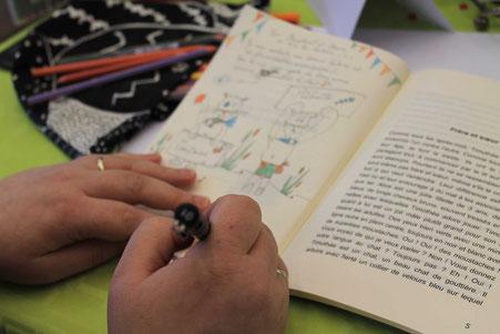 Une dédicace en cours de l'illustratrice Cloé Perrotin au Salon du Livre de Lamotte-Beuvron 2017