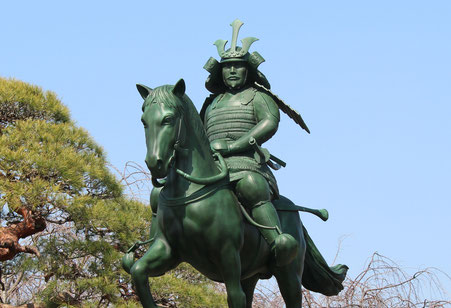 太田道灌公 騎馬像