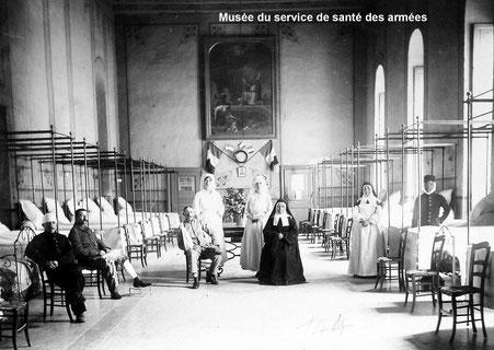 Photo : L'hôpital bénévole n°49bis de Bagnols-sur-Cèze.L'Hôtel-Dieu. Source: Musée du service de santé des armées.