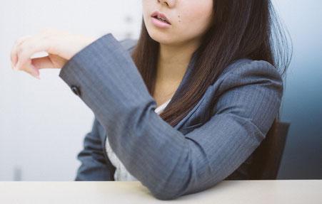 奈良県香芝市の腕の使い過ぎで頚椎症の女性