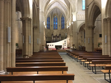 Installation matériel de sonorisation dans une église
