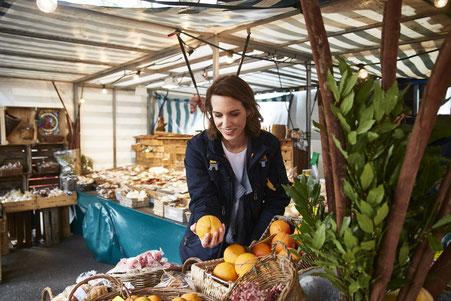 Christina Witte auf dem Isemarkt in Hamburg