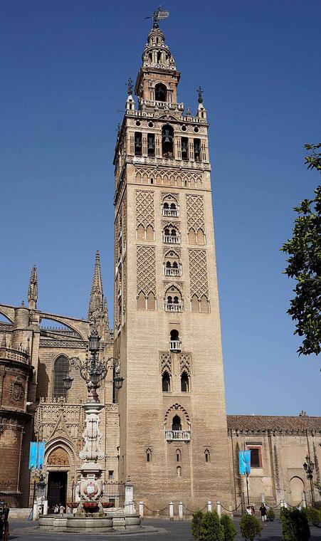 Photographie, Espagne, Andalousie, Séville, Giralda, tour, clocher, minaret, sebka, briques, cathédrale, art, Mathieu Guillochon.