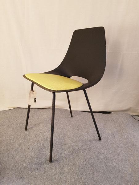 Pierre Guariche chaise Tonneau édition steiner 1954