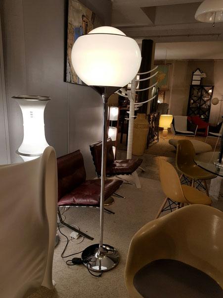 Studio 6G lampadaire Bud édition Guzzini vers 1970
