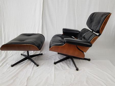 Charles et Ray Eames Fauteui et ottomanl Lounge Chair édition Herman Miller Mobilier international vers 1970