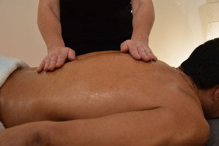 Au Nymphea massage californien pour relaxation physique et psychique