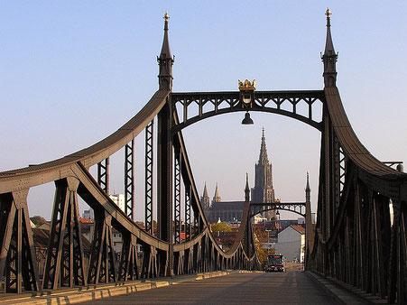 Bild Neutorbrücke mit dem Ulmer Münster