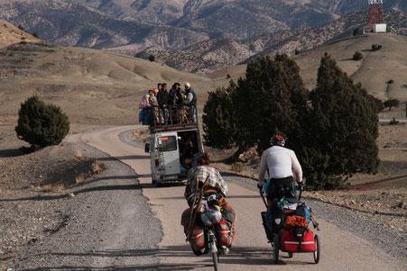 vélo avec bus marocain