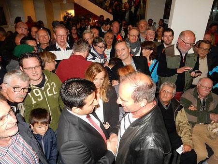 Wahlabend am 11.10.2015: Halil Öztas ist der neue Bürgermeister von Heusenstamm.