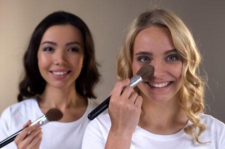 Abend Make up für Mutter und Tochter als Geschenk zu Weihnachten, zum Geburtstag für Mädchen