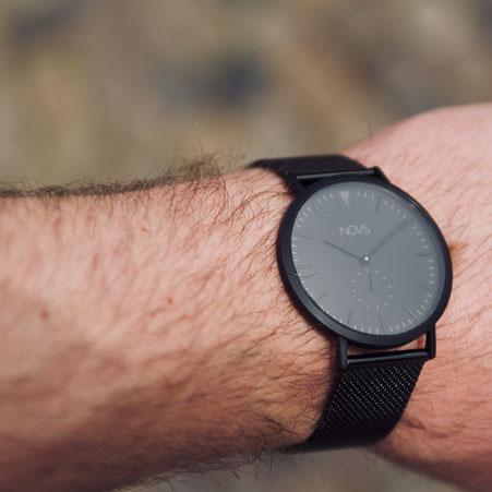 NOVS Uhr - Armbanduhr - NOVO - all black - schwarz