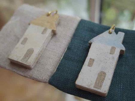陶製おうちのペンダント 京都 手づくり市 百万遍知恩寺さんで販売します