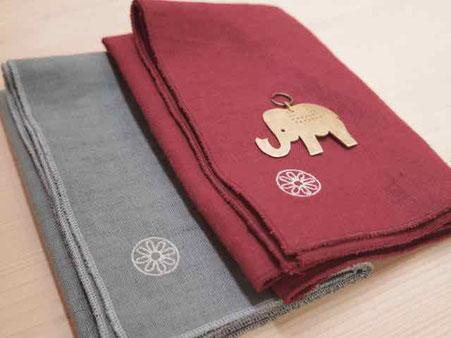 刺繍ロゴと真鍮製ペンダントトップ 京都と岐阜の手作り市のみで販売