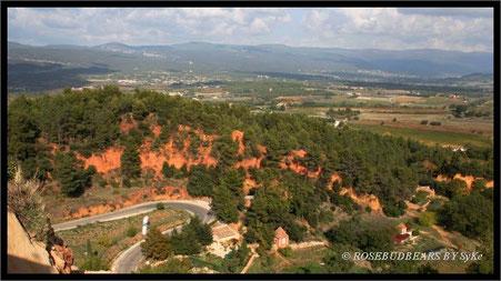 der Blick von Roussillon in Richtung Mont Ventoux