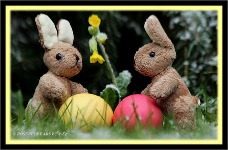 Osterhasen gefärbte Eier