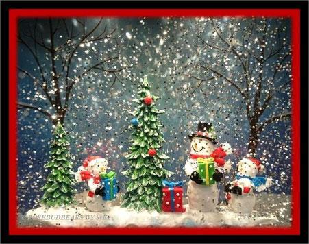 weiße Weihnachten - im kleinen Display schneit es immer auf Knopfdruck