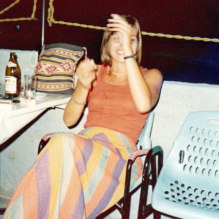 die Autorin 1974 in Griechenland
