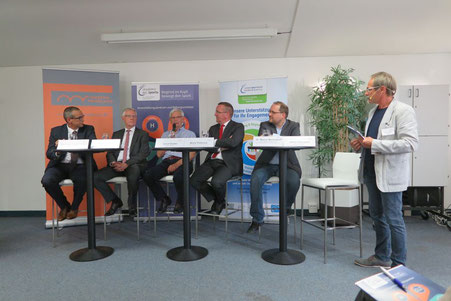 Andreas Friedrichs (links), Reinhard Rawe, Albert Banko, Boris Pistorius, Dr. Marcel Berlinghoff und Ulrich Schubert