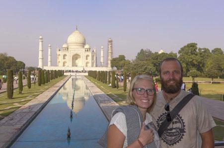 saltedlife.org Ann-Katrin Knobloch Jörg Hund Taj Mahal Royal Enfield Indien