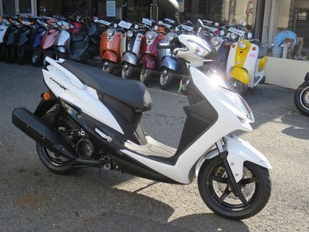 シグナスX SR (ホワイト)