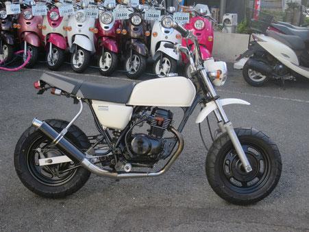 Ape50 白 エンジン黒塗り 100用シート マフラー
