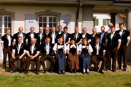 Der Jodlerclub Lotzwil hat gut lachen: Er qualifizierte sich in Tramelan fürs Eidgenössische in Davos. Aufgenommen wurde das Bild im Herbst 2012 anlässlich des 50-Jahr-Jubiliäums.