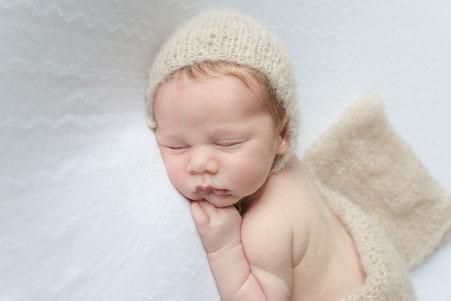 Newborn, Newborn Fotografie, Newborn Shooting, Fotografin, Elisabeth Kreiner, Karlsbach, Ybbs, Fotograf, Mostviertel