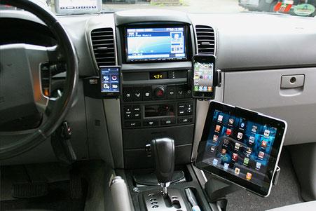 Kia Sorento mit integrierter Freisprecheirnrichung ipad handy und radio auf brodit konsolen