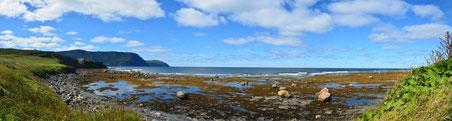 Schöne Bucht südlich vom Lobster Cove Lighthouse.