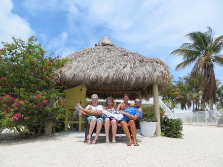 Drei Engel für Claudio - spontane Fotoaktion am Strand.